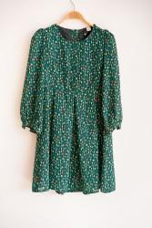 Anlamlı Garaj Satışı: Elbise