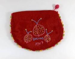 kutnu kumaş üzerine el nakışı işlemeli uğur böcekli cüzdan