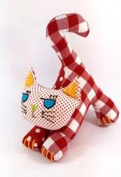 El Nakışı İşlemeli, Pamuklu Kırmızı Kedi 25Cm*20Cm