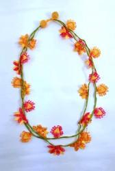 Turuncu,pembe çiçekli,yeşil kordonlu, 3 katlı,48cm kolye