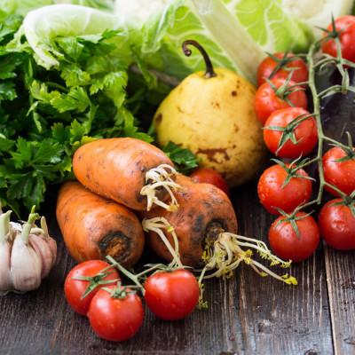 Büyük Boy Organik Mevsimsel Sebze Ve Meyve Paketi (9-11Kg)