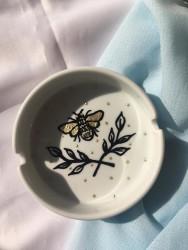 Arı Küllük