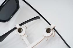 Gözlük Askısı Deri Özel Tasarım Beyaz Askı Beyaz Caretta