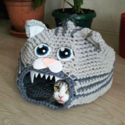 Kedi Şeklinde El Örgüsü Kedi Evi